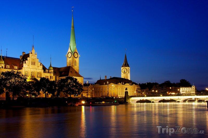 Fotka, Foto Noční scenérie v Curychu (Švýcarsko)
