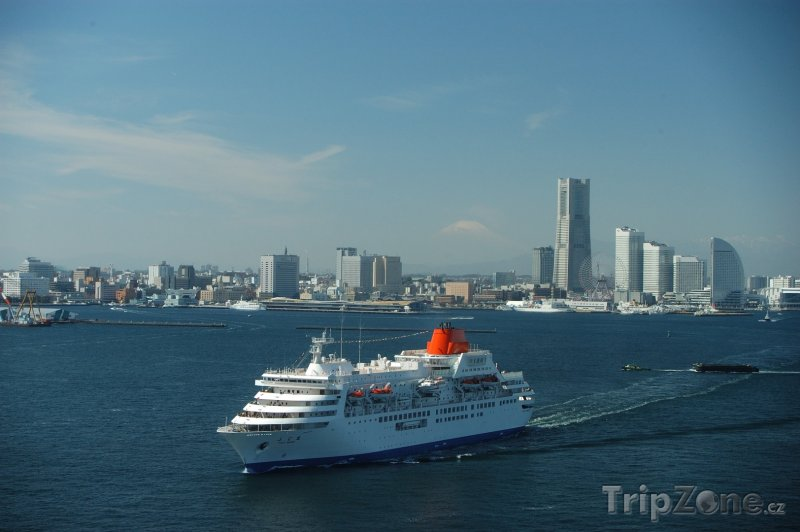Fotka, Foto Obří loď v přístavu (Jokohama, Japonsko)