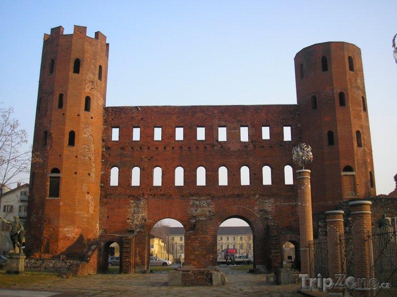 Fotka, Foto Palácové věže (Turín, Itálie)