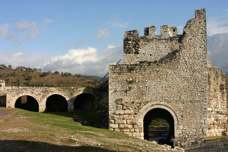 Fotka, Foto Pevnost ve měste Berat (Albánie)