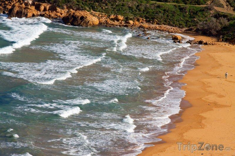 Fotka, Foto Písčitá pláž v zálivu Ramla (Malta)