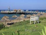 Pláž a molo v letovisku Belek