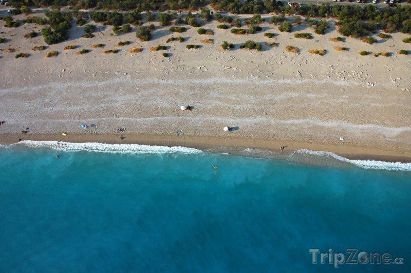 Fotka, Foto Pláž v letovisku Fethiye (Turecko)