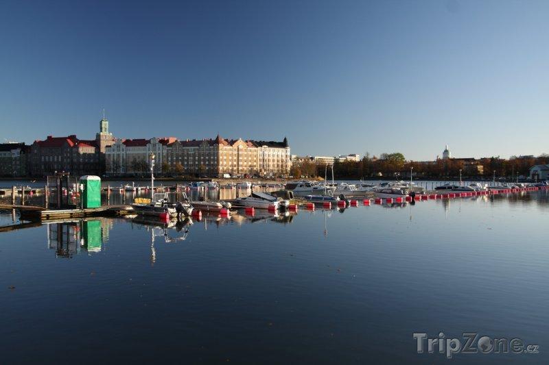 Fotka, Foto Pobřeží ve čtvrti Hakaniemi (Helsinky, Finsko)
