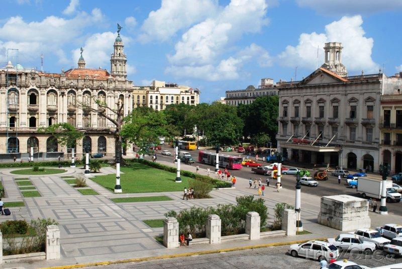 Fotka, Foto Pohled na hlavní náměstí (Havana, Kuba)