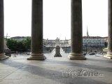 Pohled na náměstí Piazza Vittorio