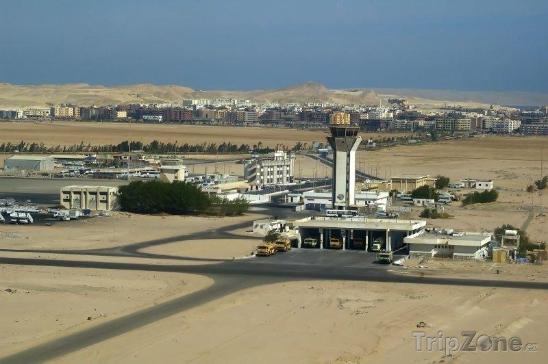 Fotka, Foto Pohled na nedaleké letiště (Hurghada, Egypt)