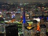 Pohled na noční Jokohamu