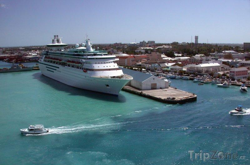 Fotka, Foto Pohled na přístav u města Nassau (Bahamy)