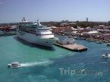 Pohled na přístav u města Nassau