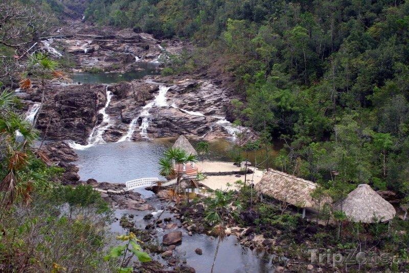Fotka, Foto Pohled na vodopády Five Sisters (Belize)
