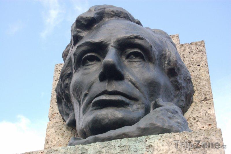 Fotka, Foto Pomník Abrahama Lincolna (Havana, Kuba)