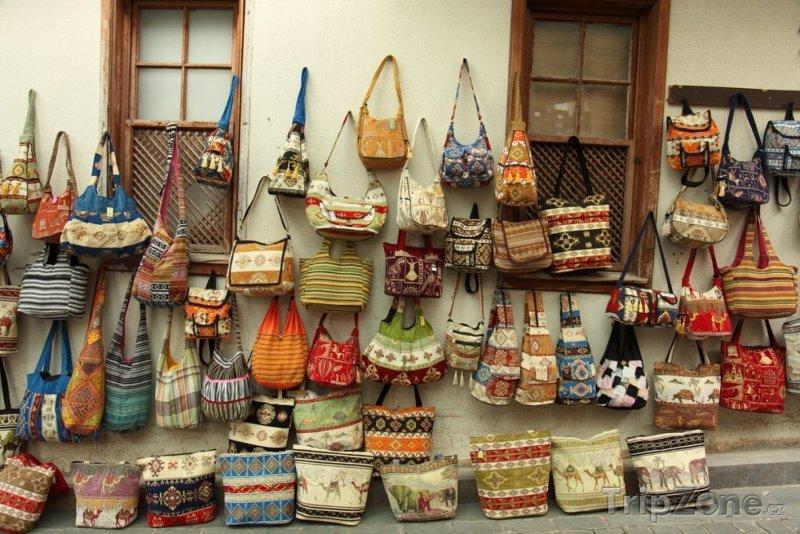 Fotka, Foto Pouliční prodej kabelek a tašek (Antalya, Turecko)