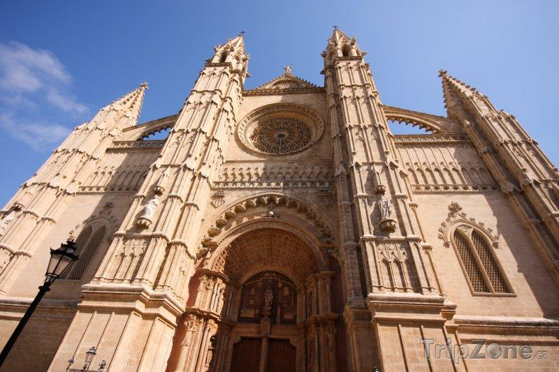 Fotka, Foto Průčelí katedrály v Palma de Mallorca (Palma de Mallorca, Španělsko)