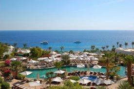 Sharm El Sheikh, bazén u mořského pobřeží
