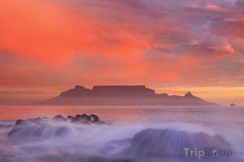 Fotka, Foto Stolová hora v mlze (Jihoafrická republika)