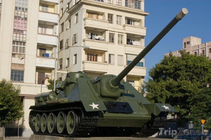 Fotka, Foto Tank u muzea Revoluce (Havana, Kuba)