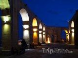 Valletta, zahrada Barrakka v noci