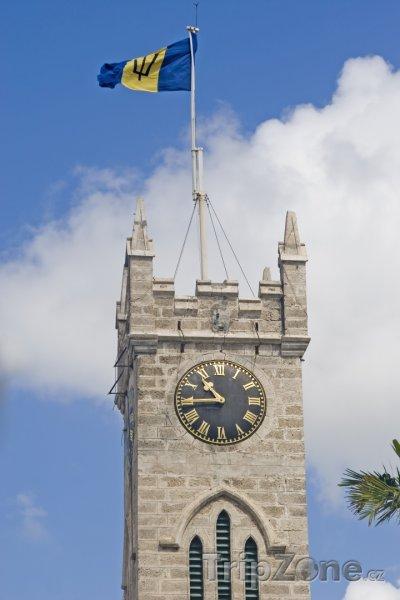 Fotka, Foto Věž budovy parlamentu v Bridgetownu (Barbados)