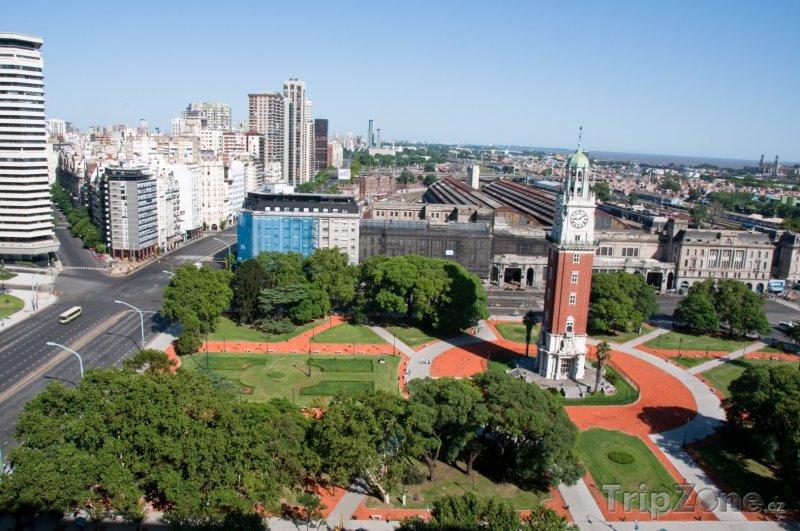 Fotka, Foto Věž na náměstí Plaza San Martin (Buenos Aires, Argentina)