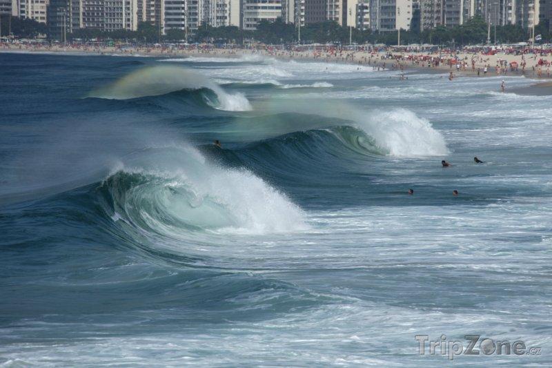 Fotka, Foto Vlny u pobřeží Ria (Brazílie)