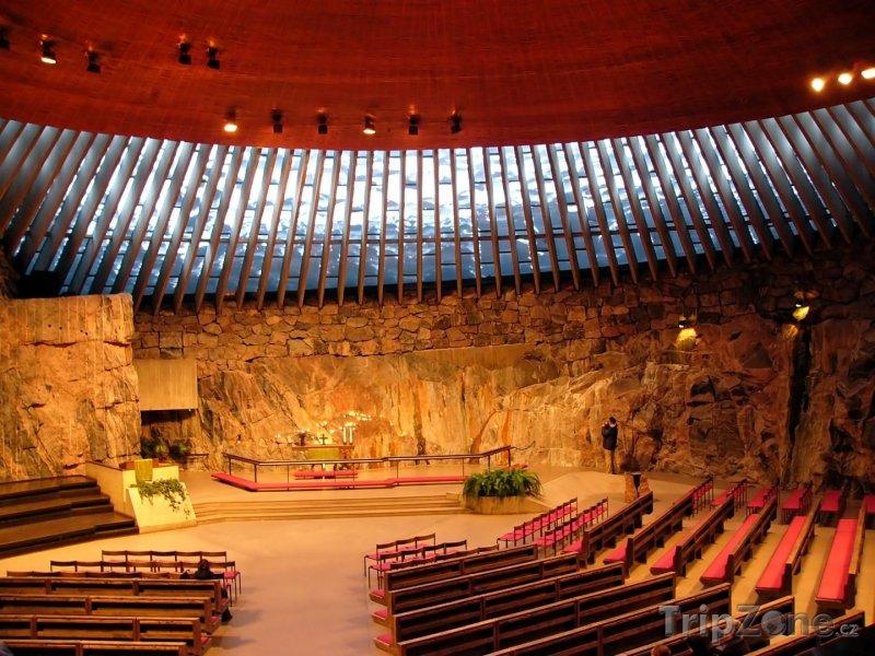 Fotka, Foto Vnitřek skalního kostela Temppeliaukio (Helsinky, Finsko)