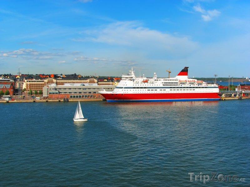 Fotka, Foto Výletní loď u pobřeží (Helsinky, Finsko)