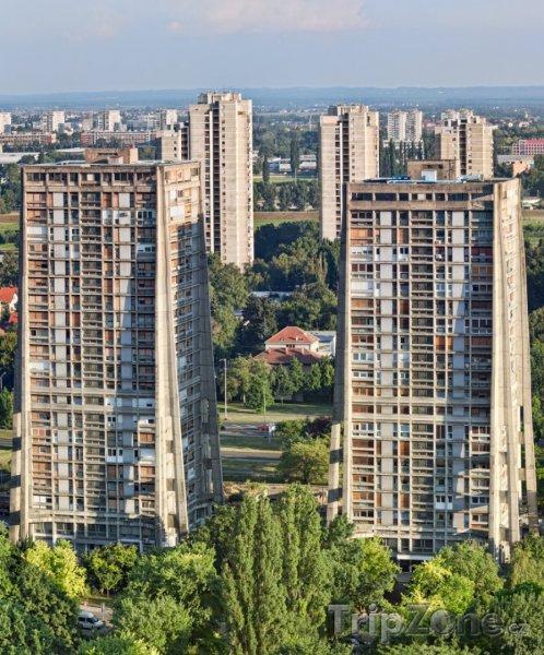 Fotka, Foto Vysoké panelové domy (Záhřeb, Chorvatsko)