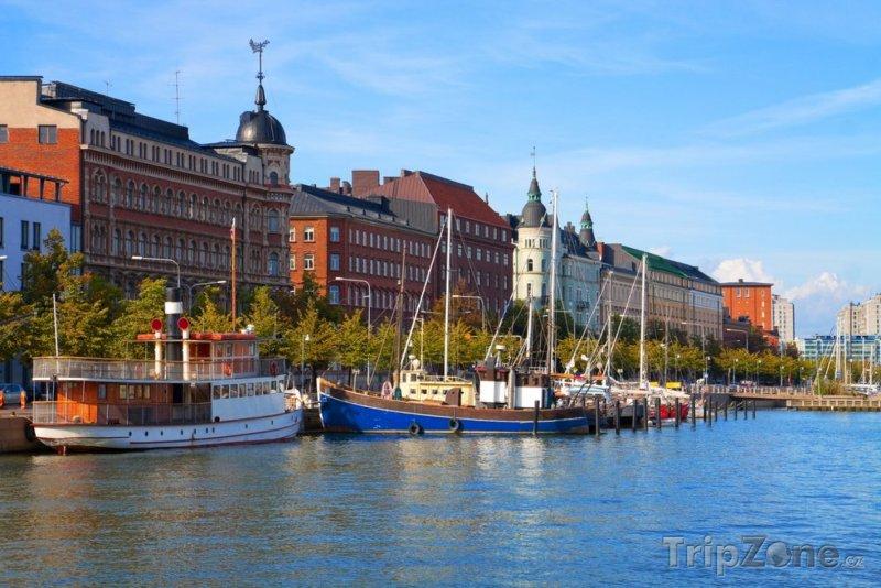 Fotka, Foto Zakotvené lodě u břehu (Helsinky, Finsko)