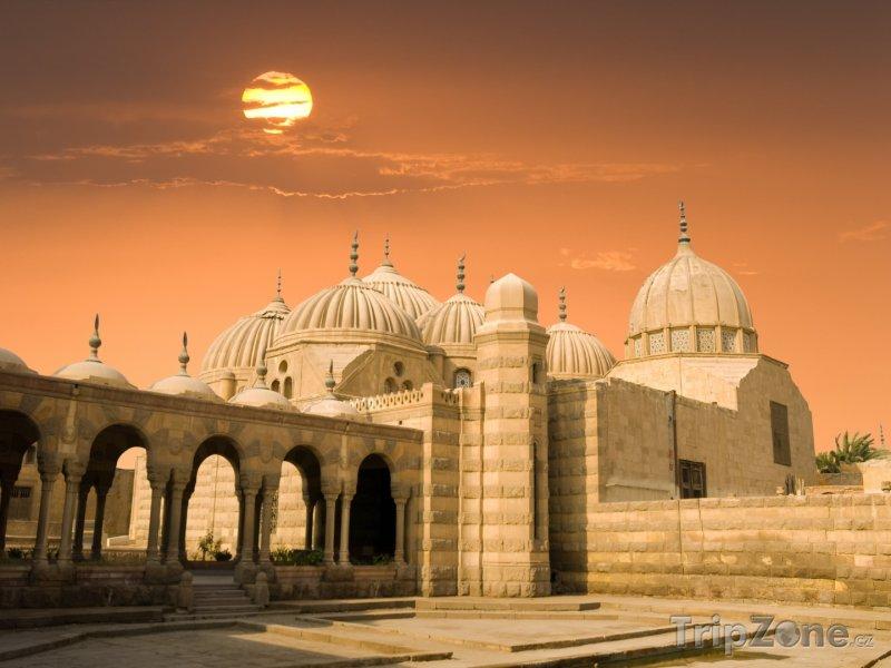 Fotka, Foto Západ slunce nad mešitou (Káhira, Egypt)