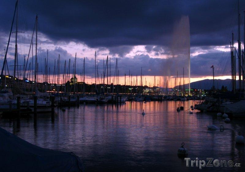 Fotka, Foto Západ slunce v Ženevě (Švýcarsko)