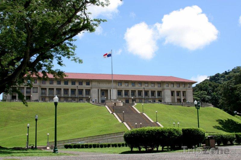 Fotka, Foto Administrativní budova Panamského průplavu (Panama)
