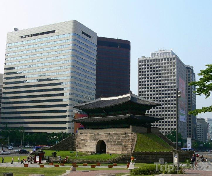 Fotka, Foto Brána Namdemun v Soulu (Jižní Korea)
