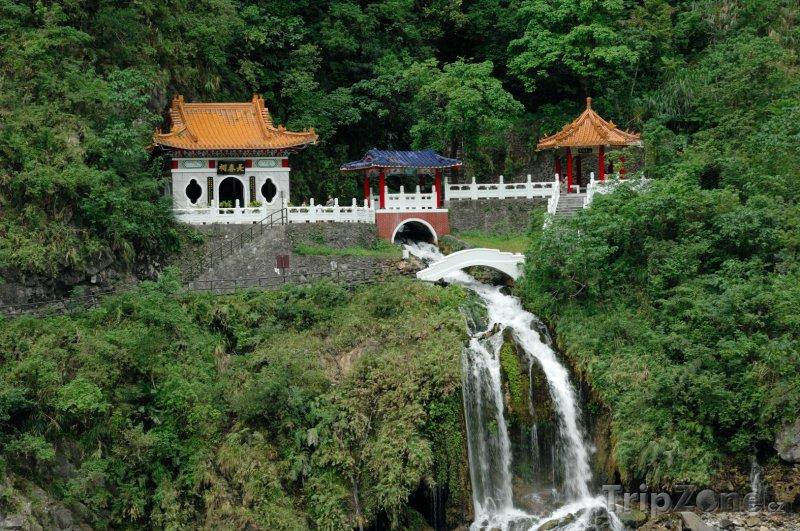 Fotka, Foto Chang Chun Shrine, Národní park Taroko (Tchaj-wan)