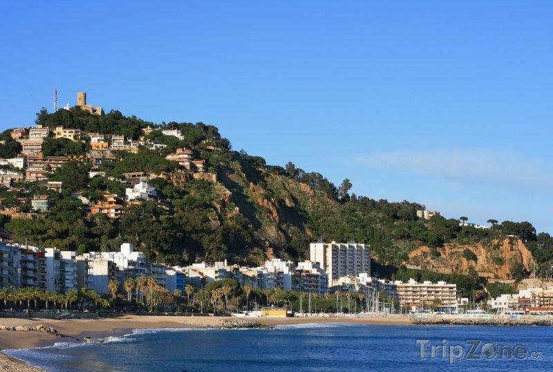 Fotka, Foto Costa del Maresme, městečko Blanes, pobřeží a hrad sv. Jana (Španělsko)