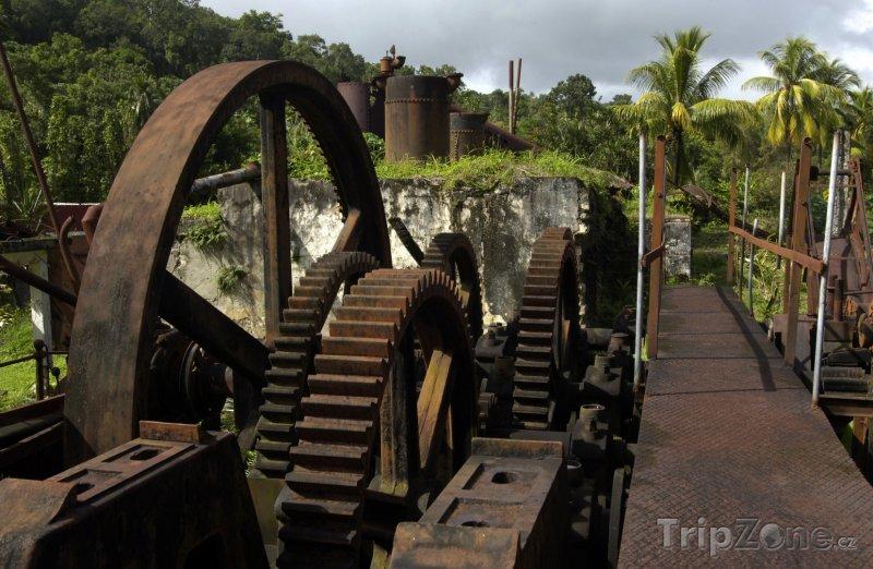 Fotka, Foto Destilárna rumu (Martinik)