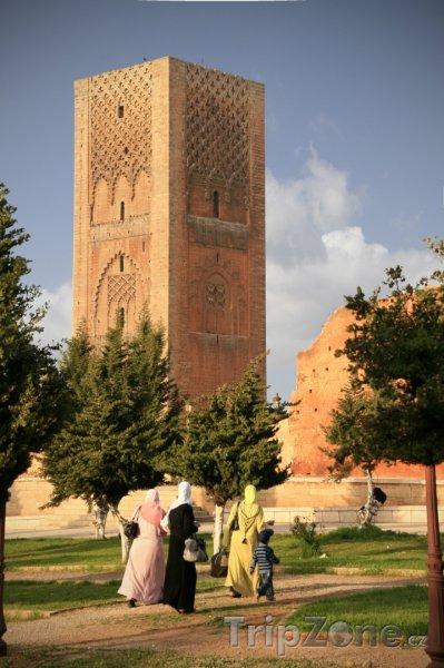 Fotka, Foto Detail Hassanovy věže (Rabat, Maroko)