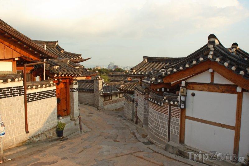 Fotka, Foto Domy v části Bukchon Hanok (Soul, Jižní Korea)