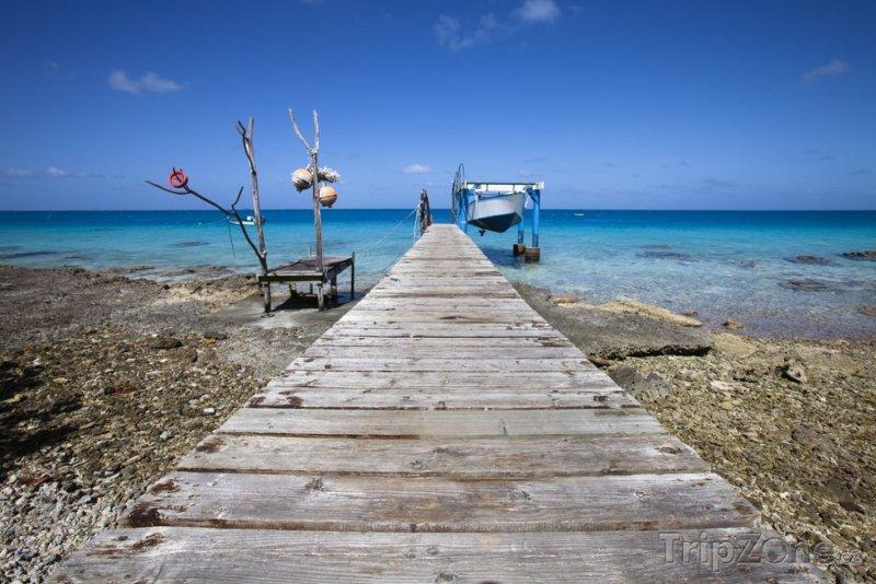 Fotka, Foto Dřevěné molo a rybářská loďka (Martinik)