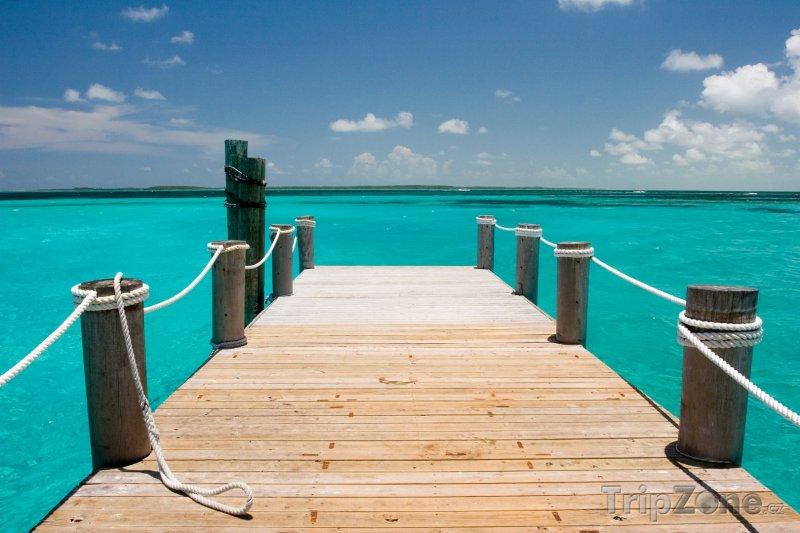 Fotka, Foto Dřevěné molo (Nassau, Bahamy)