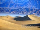 Duny na saharské poušti
