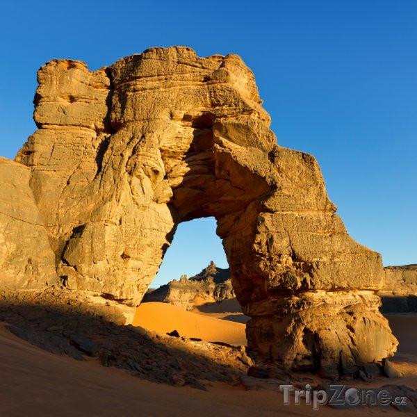 Fotka, Foto Forzhaga Arch v pohoří Acacus na Sahaře (Libye)
