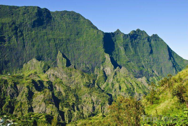 Fotka, Foto Hory nad městem Cilaos (Réunion)