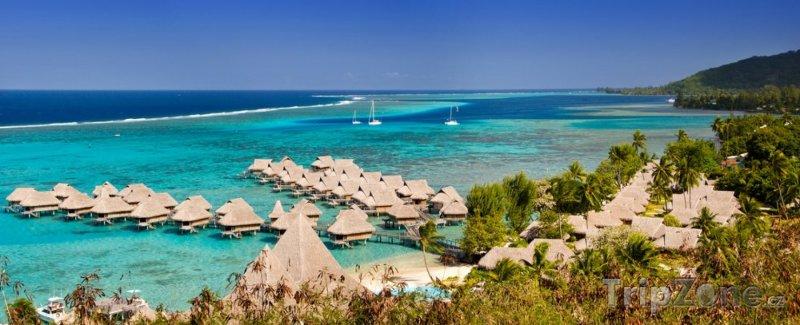 Fotka, Foto Hotelový resort na pobřeží (Francouzská Polynésie)