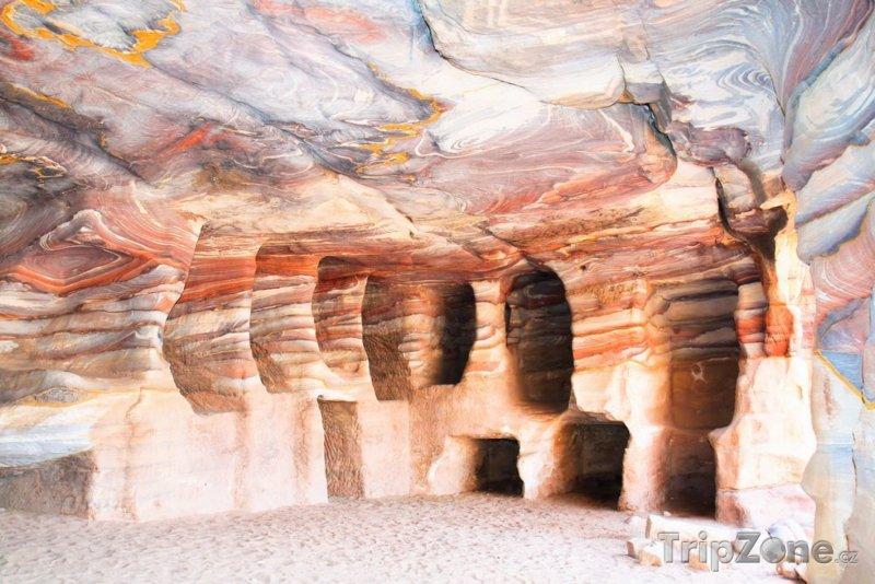 Fotka, Foto Hrobky ve skalním městě Petra (Jordánsko)