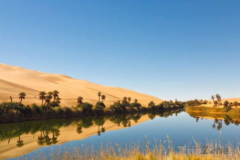 Fotka, Foto Jezero Amm al-Ma v oáze Gaberun (Libye)