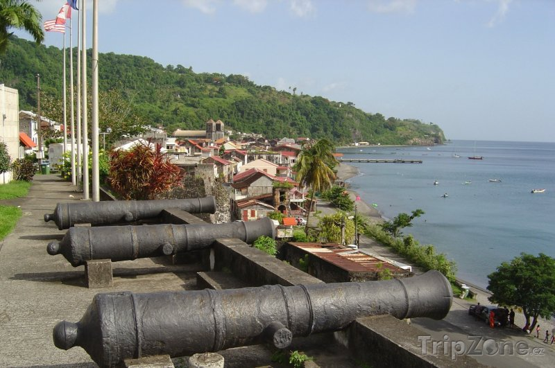 Fotka, Foto Kanony v obci Saint-Pierre (Martinik)