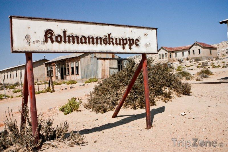 Fotka, Foto Kolmanskop, město duchů v poušti Namib (Namibie)