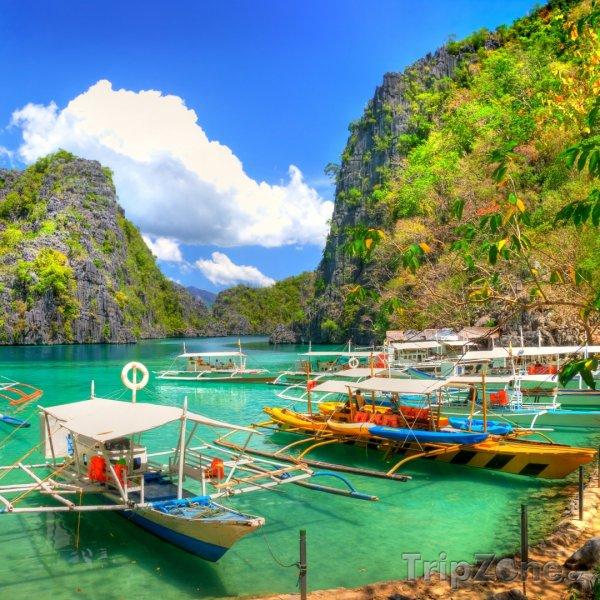 Fotka, Foto Lodě v Modré laguně (Filipíny)