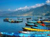 Loďky na jezeře Phewa